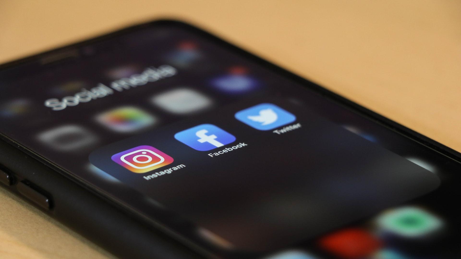 Leverage social media for improved engagement. Photo by @dole777 via Unsplash