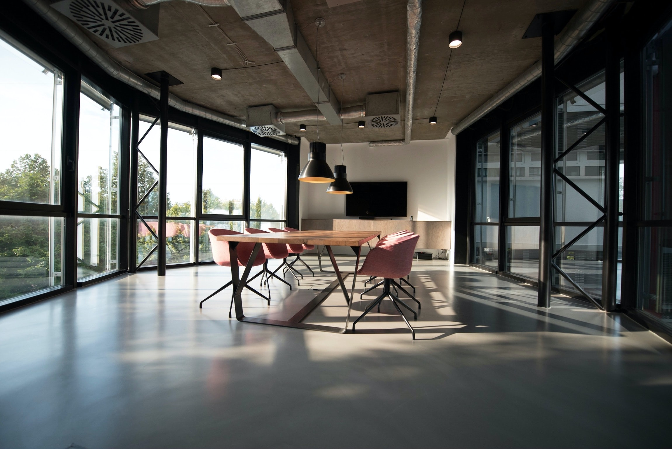 There are multiple types of agreements landlords are looking to make with coworking operators. Photo via unsplash.