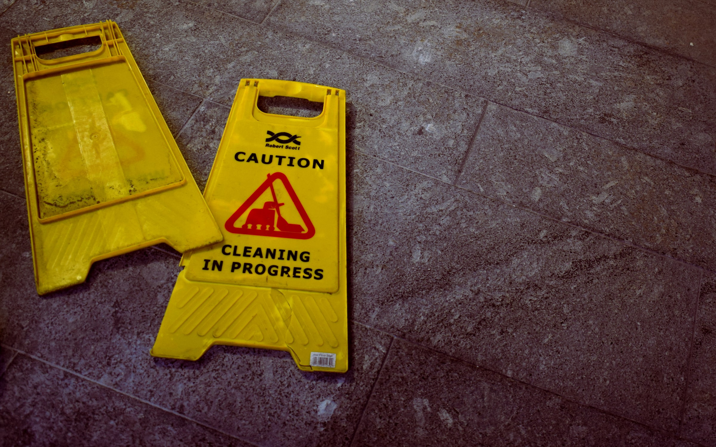 Cleaning in progress sign. Photo by @4themorningshoot via Unsplash